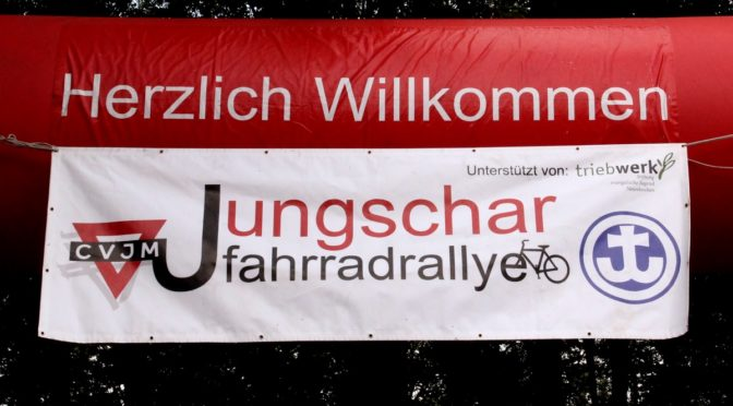 Willkommensschild für die Jungschar-Fahhrradrallye in Oberschelden